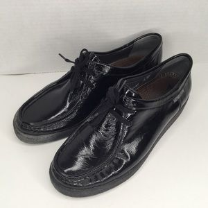 Mephisto black patent comfortable shoes.